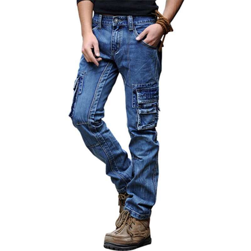 The Difference Between Regular Jeans and Cargo Jeans
